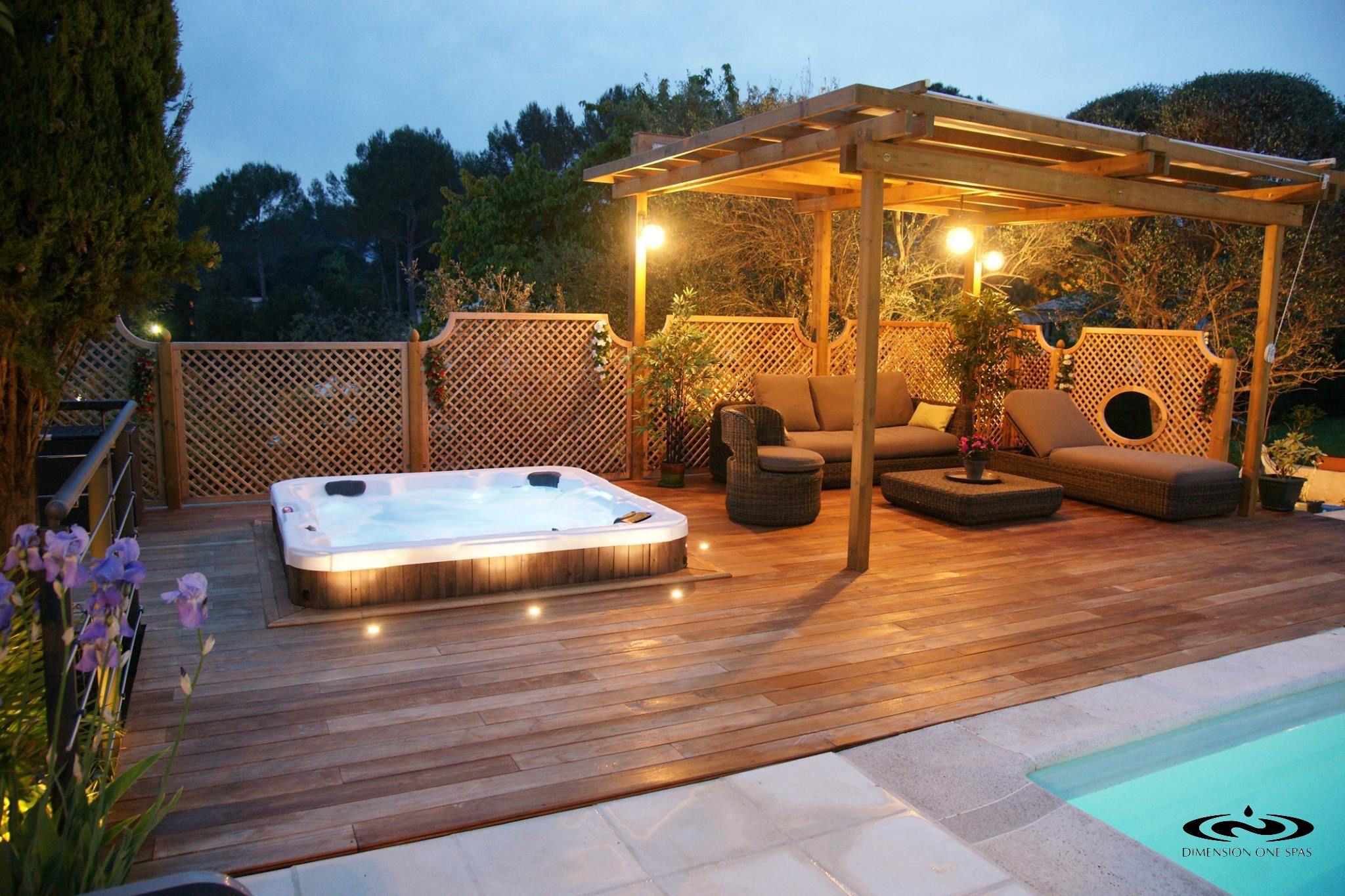 SBB Whirlpool Spa romantisch im Garten